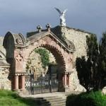 Portalada-del-Cementerio-de-Comillas-1-150x150